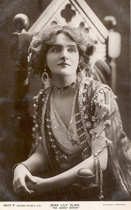 Красивые женщины прошлого (105 фото)