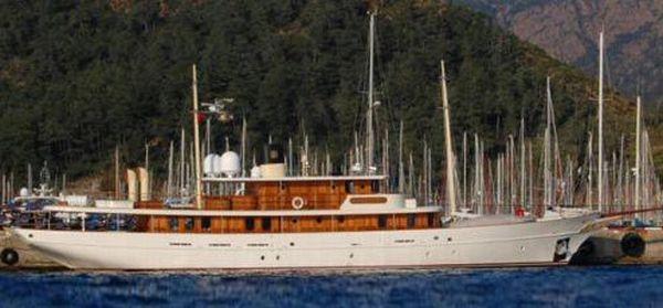 Vajoliroja - яхта Джонни Деппа (12 фото)