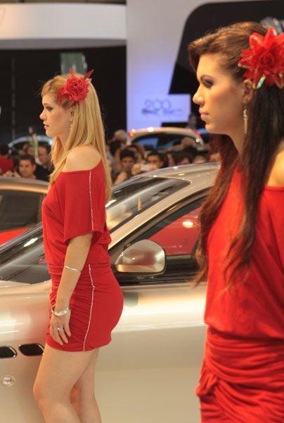 Девушки с автошоу (90 фото)