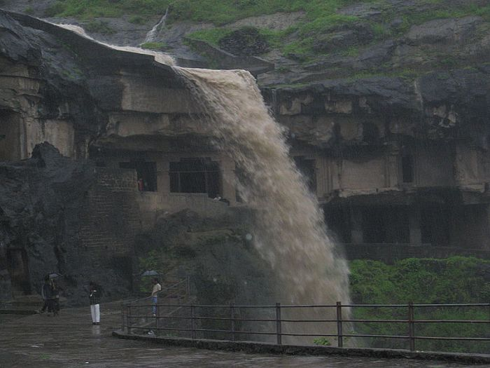 Пещеры Эллоры (28 фото)