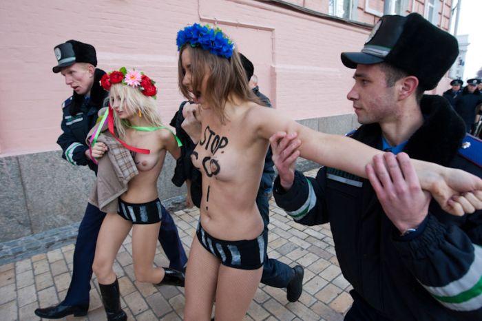 Милиция повязала активисток Femen (20 фото) НЮ