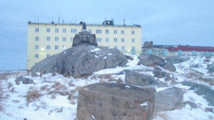 Заброшенный военный городок Гремиха (34 фото)