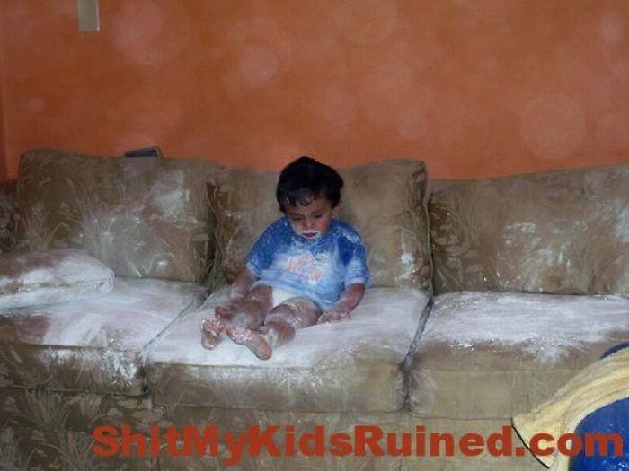 Уничтожено детьми. Часть 3 (25 фото)