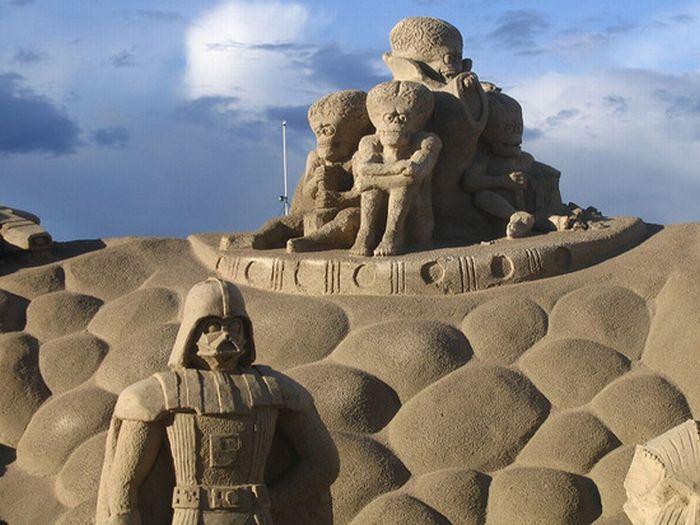 """Скульптуры из песка в стиле """"Звездные Войны"""" (21 фото)"""