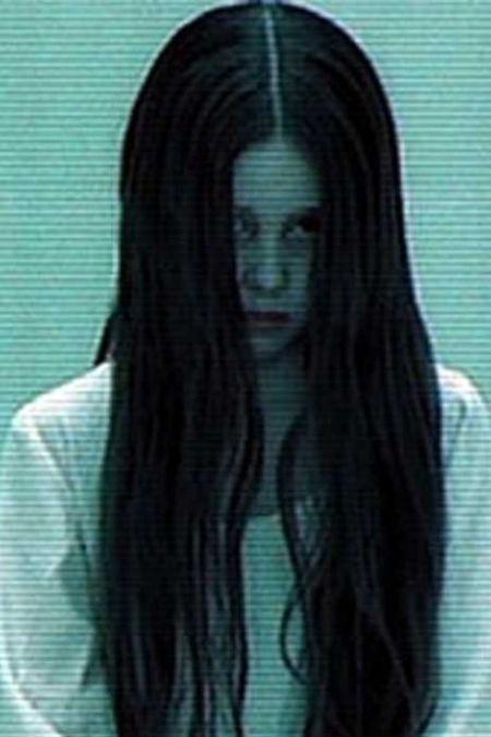 """Девочка из фильма """"Звонок"""" тогда и сейчас (2 фото)"""