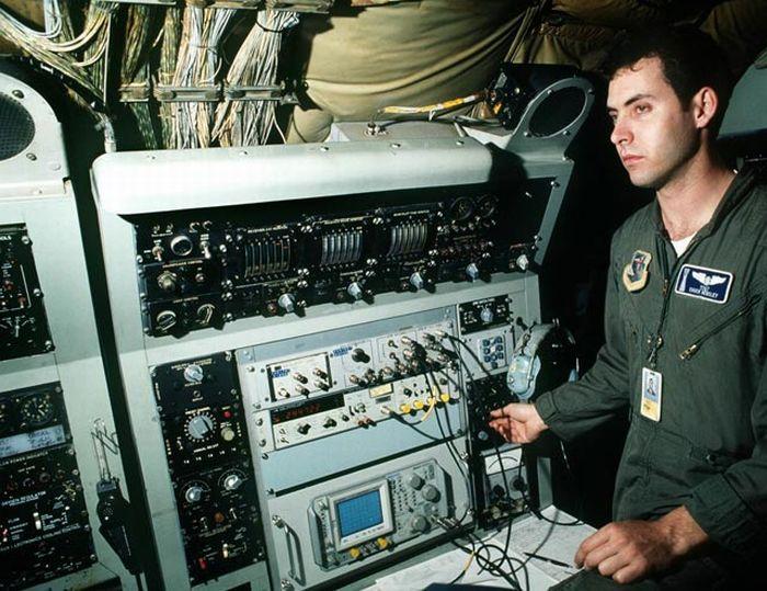 Внутри пусковой шахты ядерных ракет (45 фото)