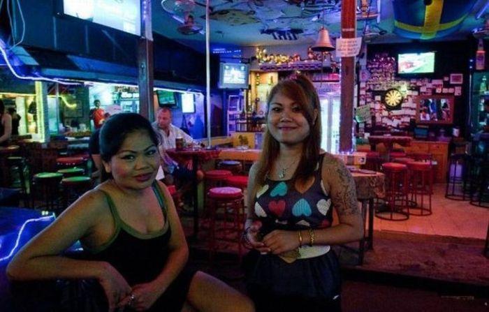 Квартал красных фонарей в Патонге (37 фото)
