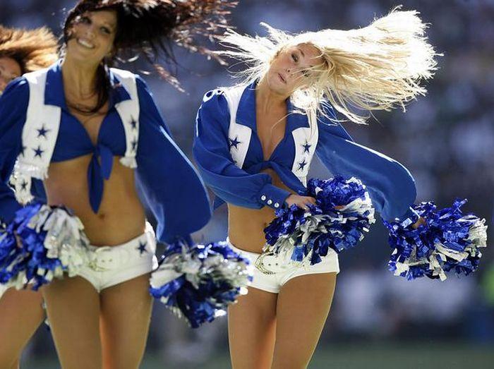 Девушки из группы поддержки команды Dallas Cowboys (26 фото)