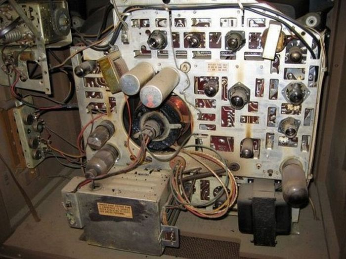 Аквариум из старого телевизора (18 фото)