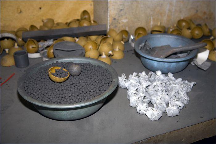 Производство китайских фейерверков (21 фото)