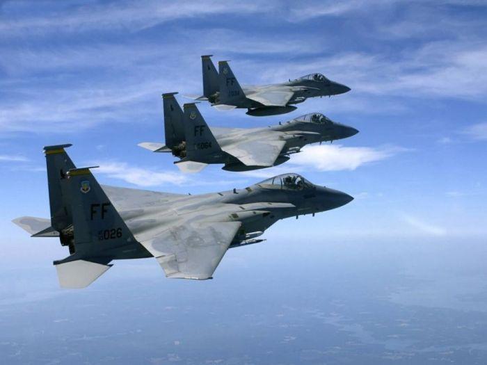 Американский истребитель F-15E (29 фото)