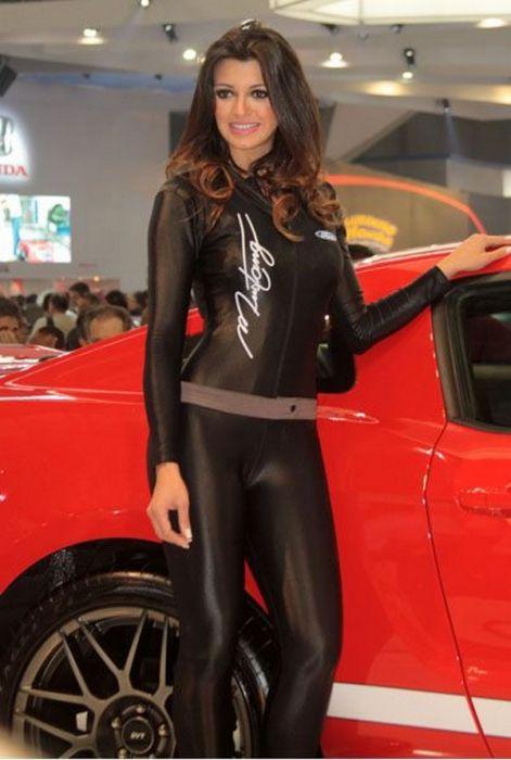 Девушки с бразильских автошоу (22 фото)