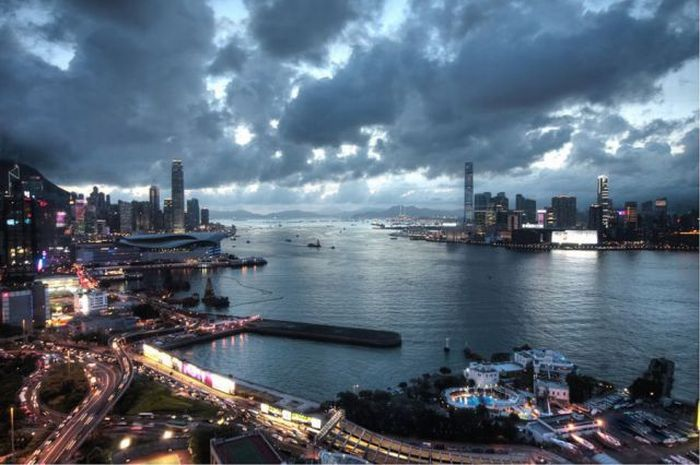 Международный коммерческий центр в Гонконге (33 фото)