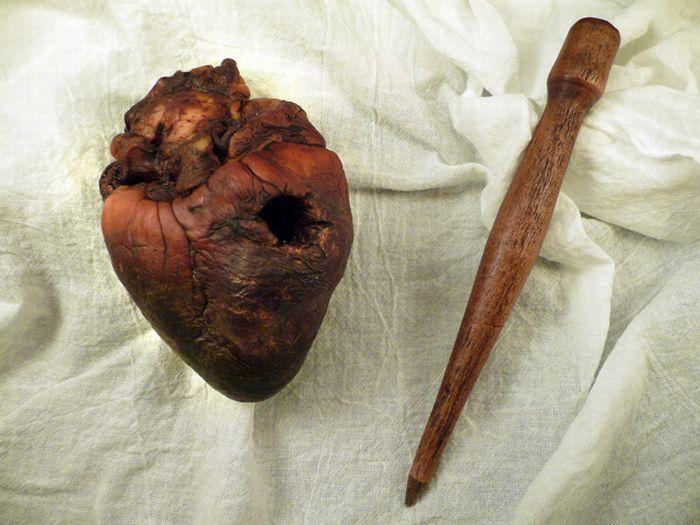 Продается сердце вампира (7 фото)