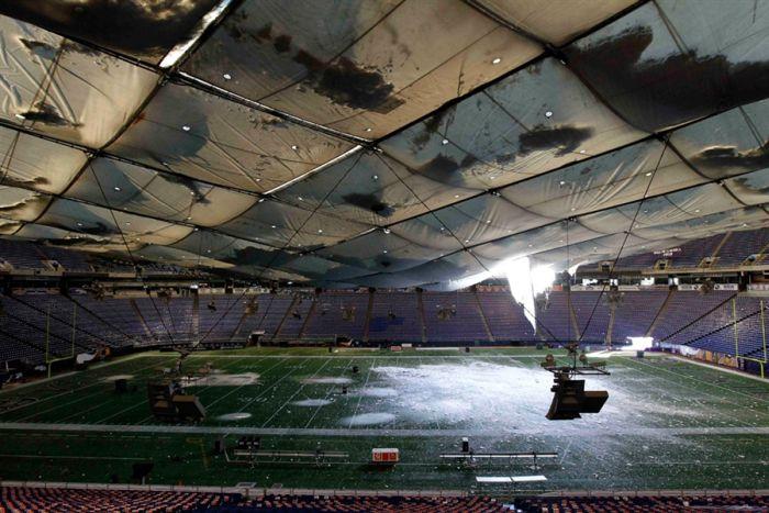 Обрушение крыши стадиона в Миннеаполисе (11 фото + видео)