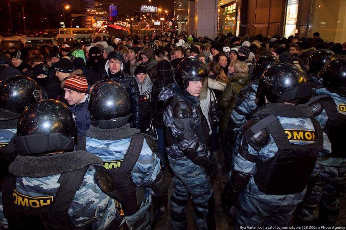 Беспорядки в Москве. 15 декабря (28 фото)