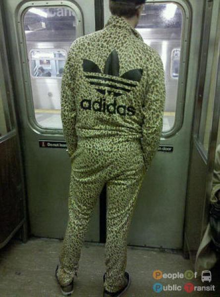 Странные люди в метро (101 фото)
