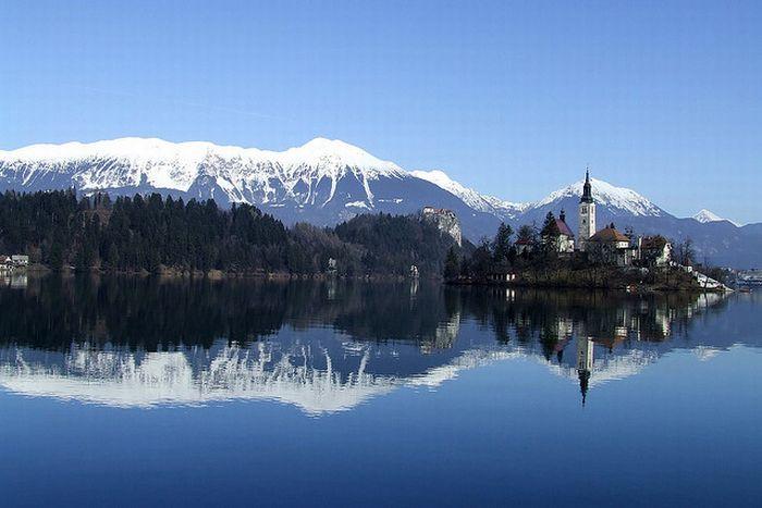 Остров на озере Блед в Словении (13 фото)