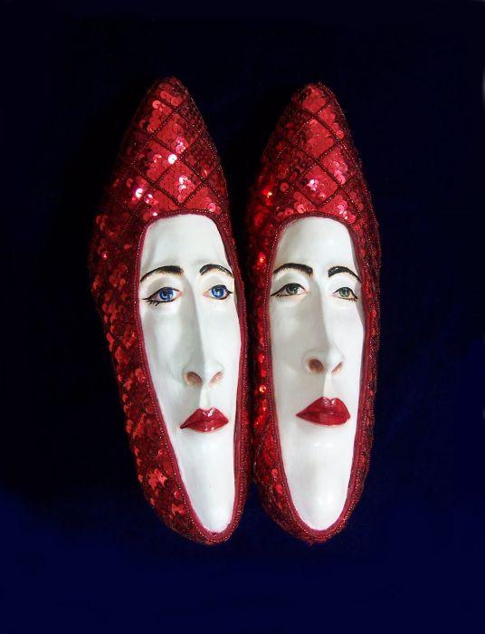 Обувь с лицами (37 фото)
