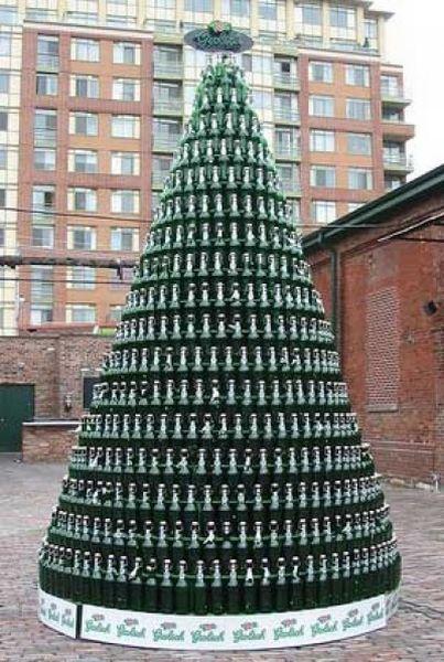 http://trinixy.ru/pics4/20101224/unusual_christmas_trees_02.jpg