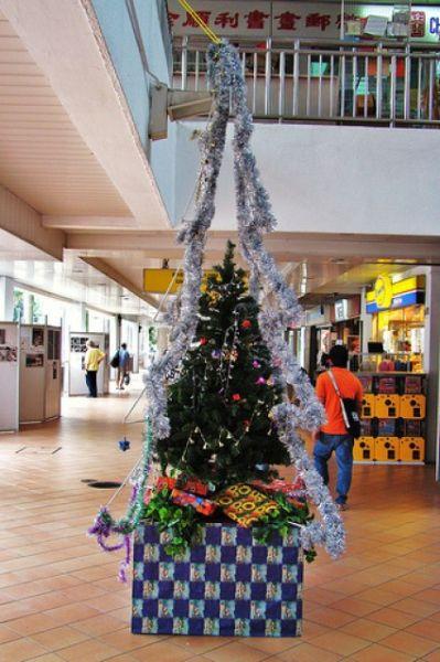 Необычные новогодние елки (25 фото)