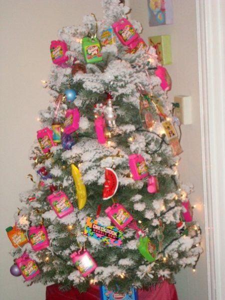 http://trinixy.ru/pics4/20101224/unusual_christmas_trees_12.jpg
