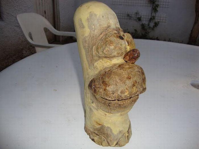 Гомер Симпсон из дерева (12 фото)