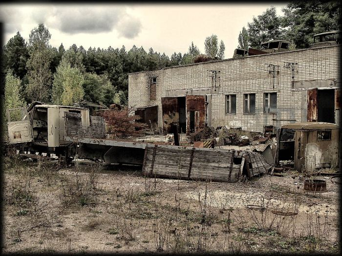 http://de.trinixy.ru/pics4/20110111/chernobyl_24_years_11.jpg