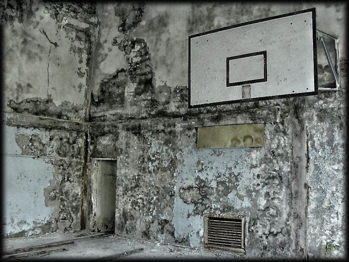 http://de.trinixy.ru/pics4/20110111/chernobyl_24_years_18.jpg