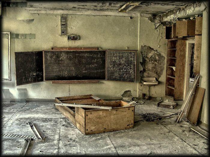 http://de.trinixy.ru/pics4/20110111/chernobyl_24_years_25.jpg