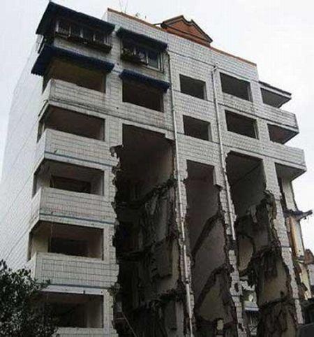 Выселение по-китайски (2 фото)