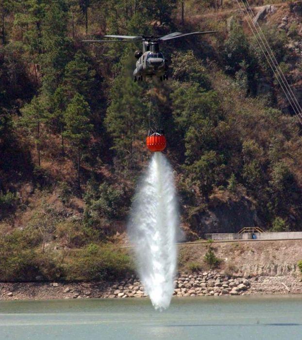 Двухвинтовой вертолет в действии (21 фото)