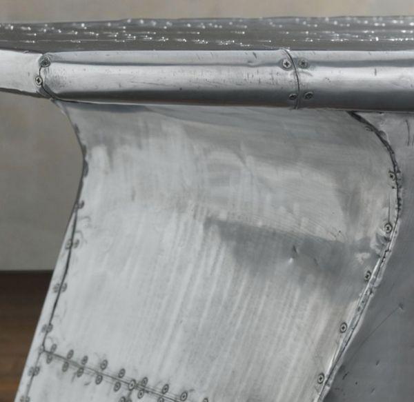 Стол из крыла самолета (7 фото)