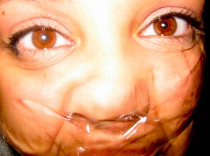 Лицо, заклеенное скотчем (42 фото)