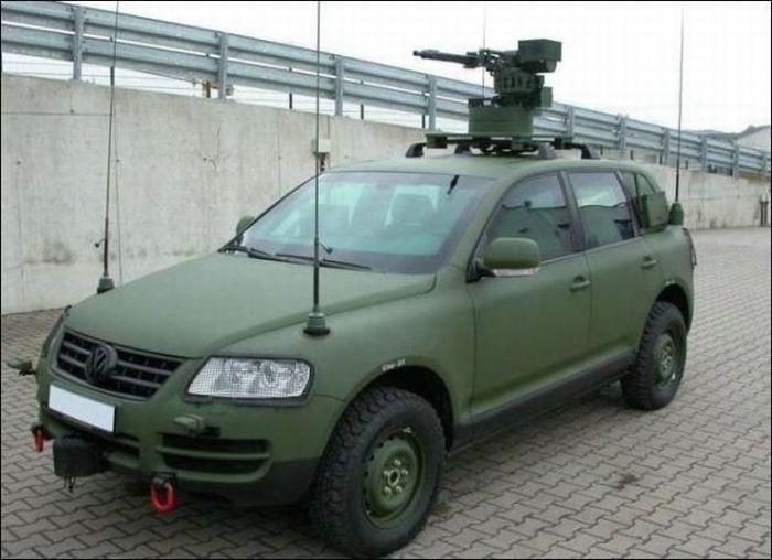 http://trinixy.ru/pics4/20110120/funny_cars_39.jpg