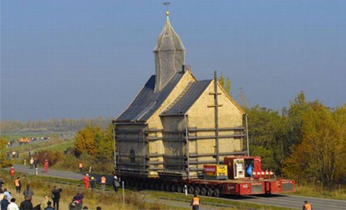 Новый дом для старой церкви (15 фото + видео)