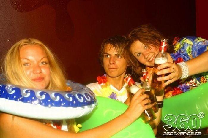 Девушки из ночных клубов Швеции (35 фото)