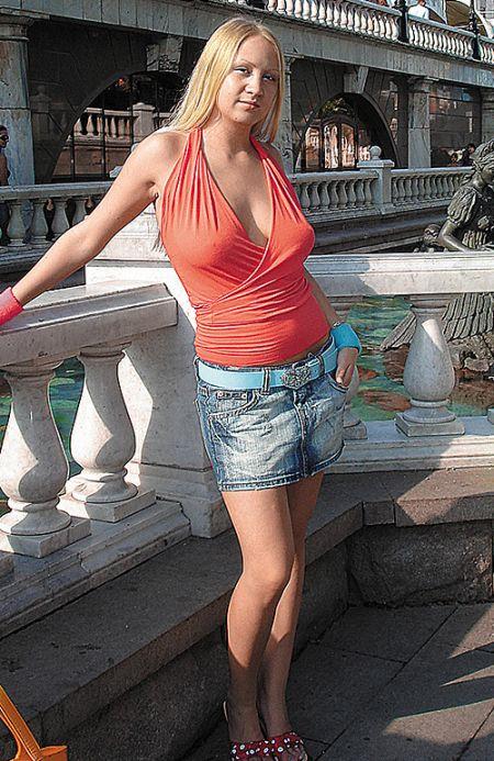 Девушка, которая становится популярной каждый год (14 фото) НЮ