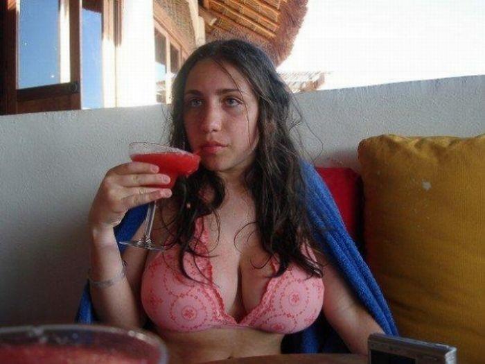 Не очень симпатичные девушки с красивым телом (38 фото)