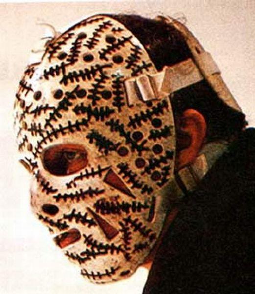 Люди в хоккейных масках 44