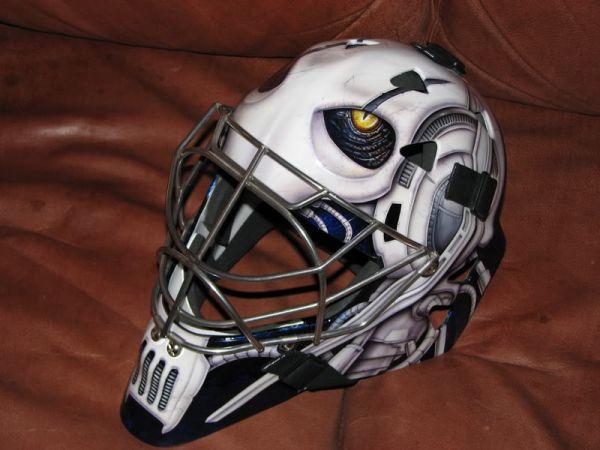 Вратарские шлемы и маски (47 фото)