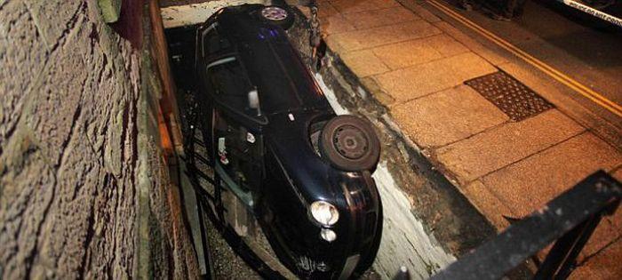 Водитель-неудачник (2 фото)