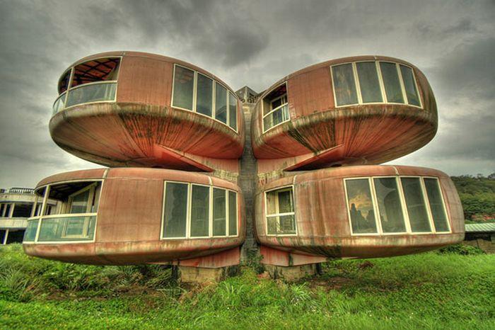 Странные здания со всего мира (84 фото)