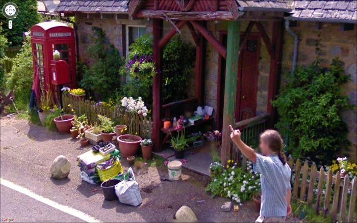 Интересные кадры, найденные на Google Street View (58 фото)