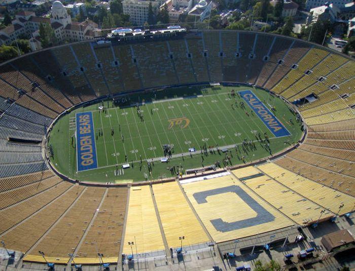 Стадионы (25 фото)