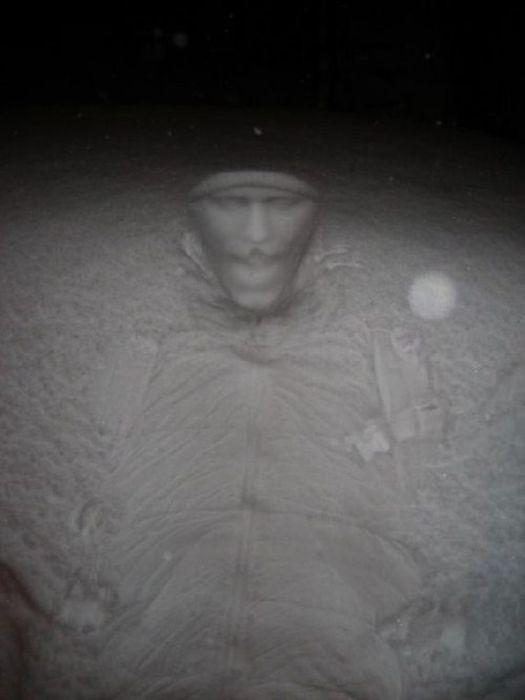Рисунки на снегу (11 фото)
