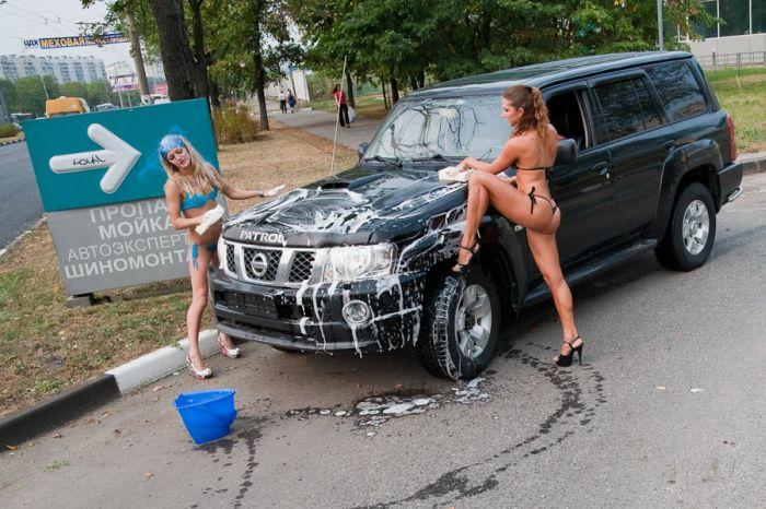 Наши девушки и автомобили (37 фото)