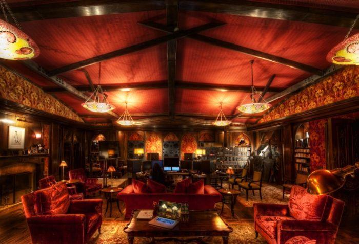 Комната Ханса Циммера (7 фото)
