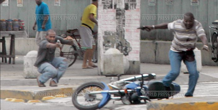 Перестрелка в Рио-де-Жанейро (9 фото)