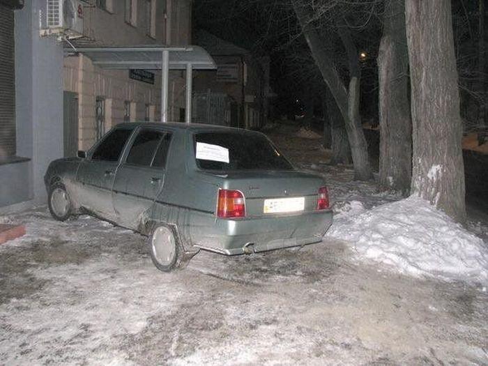 Вежливый водитель (2 фото)